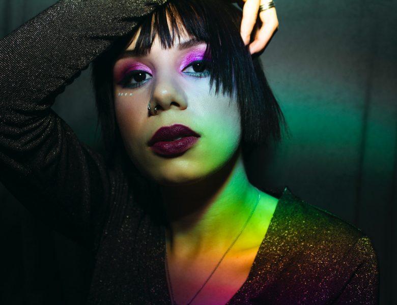La nouvelle tendance make up : le maquillage fluo