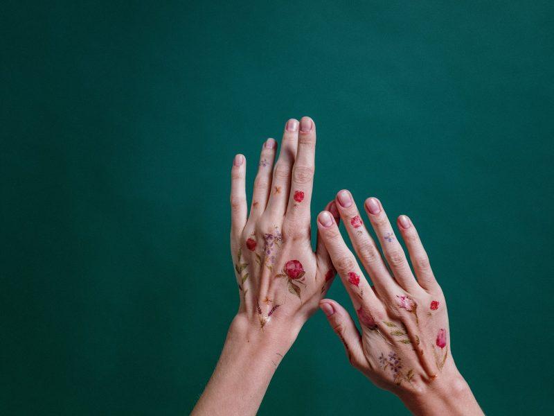 Tatouage éphémère : pose, entretien, retrait